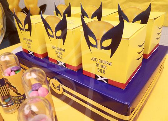 decoracao festa wolverine : decoracao festa wolverine:Caixinha impressa 7×7 com destaque Saquinho com biscoito Tubete com